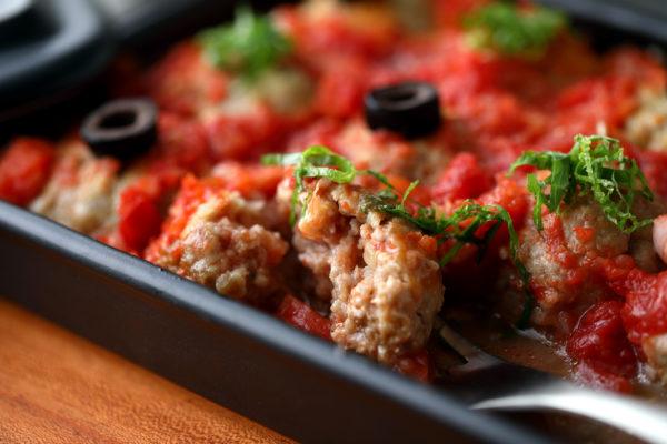グリラーでつくったトマト煮込みミニハンバーグ とりわけ