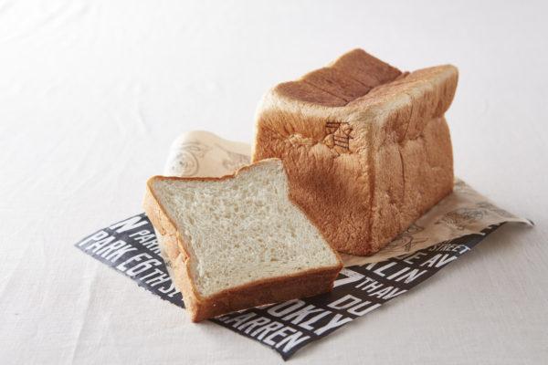 俺のBakery&Caféの「銀座の食パン~香~」