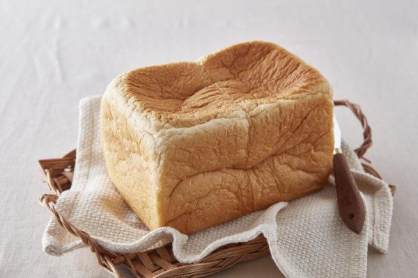 高級食パン専門店 あずきの「SHIRO食パン」