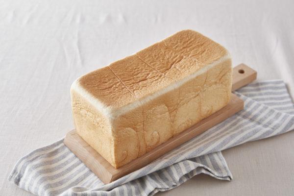 銀座に志かわの「水にこだわる高級食パン」