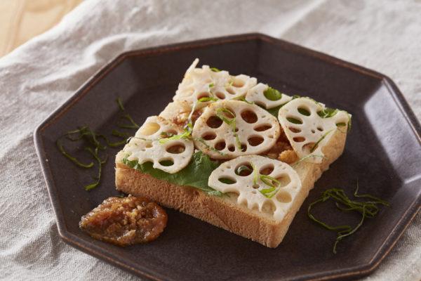 食パンアレンジアイデア「味噌とれんこんの和食パン」