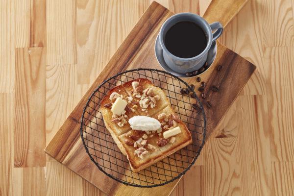 食パンアレンジアイデア「厚切りハニーナッツトースト」