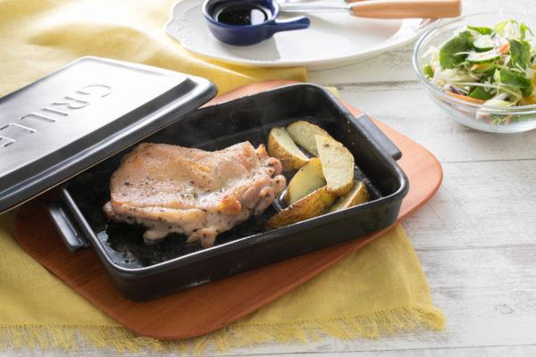 グリラーと魚焼きグリルでつくる「ローストチキン」