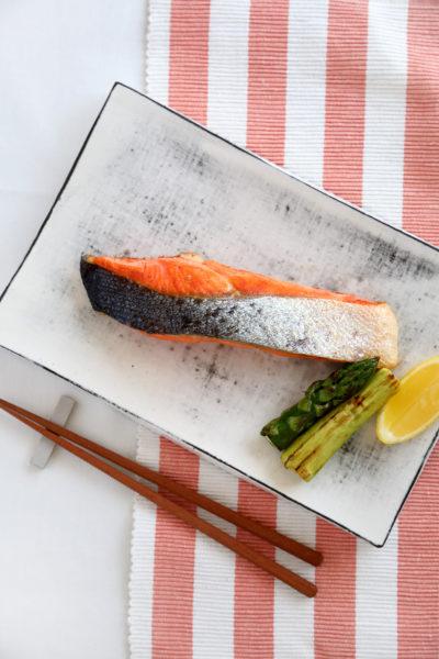 コストコ銀鮭切身は、そのまま焼くだけでも豪勢な1皿に!