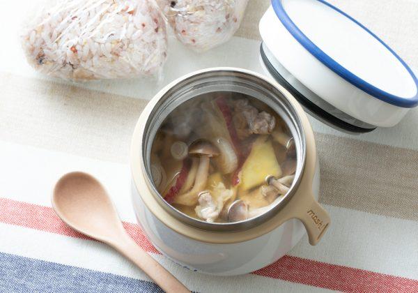 さつまいもときのこの具だくさん豚汁スープジャー レシピ
