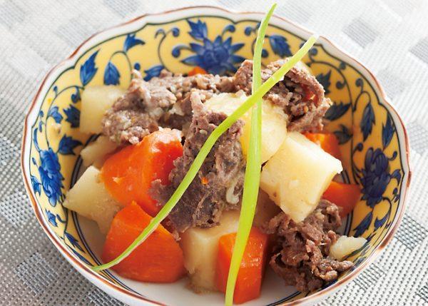 コストコのプルコギビーフの定番アレンジ「肉じゃが」