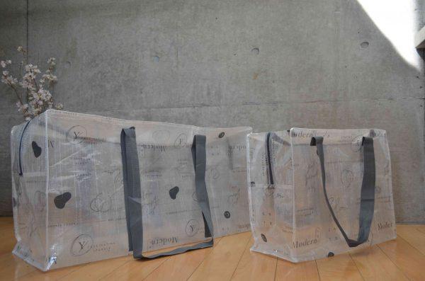 スリーコインズのクリアボックスバッグ LとLLサイズの比較